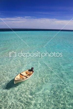 дрейфующей в Мальдивской лодки — Стоковое фото © joningall #39545147