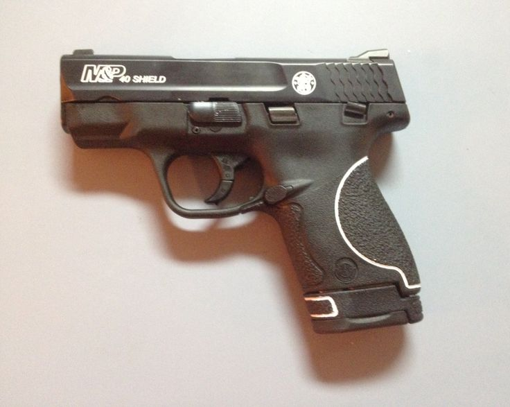 Smith & Wesson M&P Shield 40, tuxedo paint job
