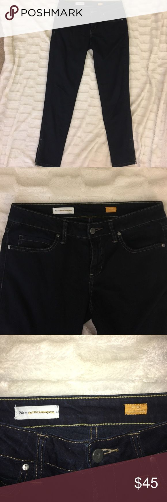 Pilcro and the Letterpress 28 6 low rise straight Jeans are in perfect condition!!! Anthropologie brand! High end and high quality Anthropologie Jeans