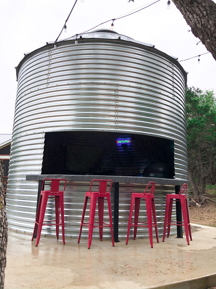 Grain Bin Outdoor Kitchen in 2020 Rustic outdoor