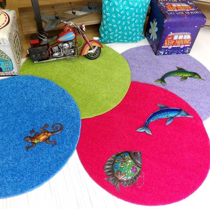 Alegres alfombras redondas multicolores
