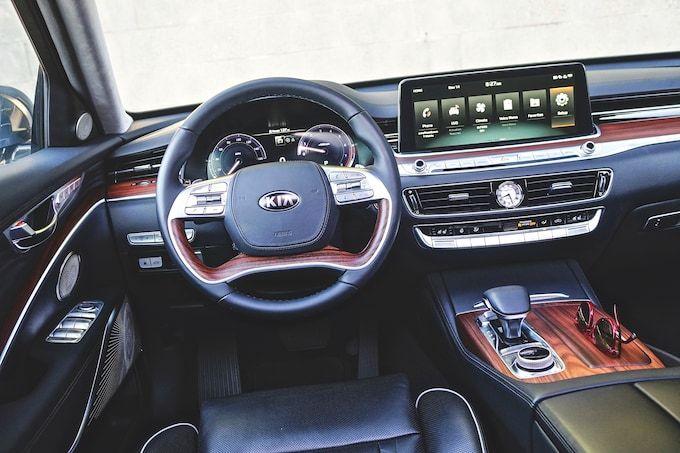 10 Reasons Why The 2019 Kia K900 Is Way Better Than Before Automobile Magazine Kia Kia Stinger Automobile