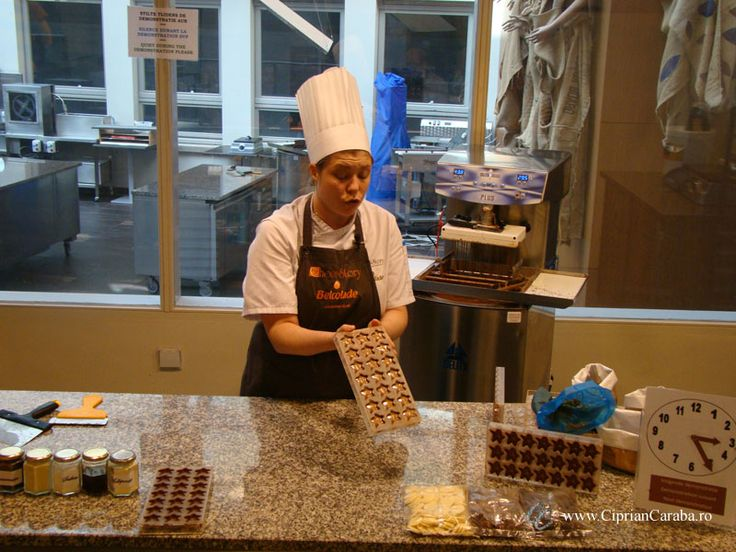 Demonstratie de fabricare a ciocolatei la Choco Story - Muzeul Ciocolatei din Brugge