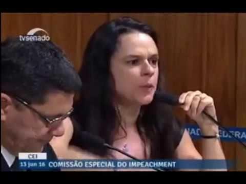Dra Janaina Paschoal literalmente'mata a pau' na Comissão de impeachment...
