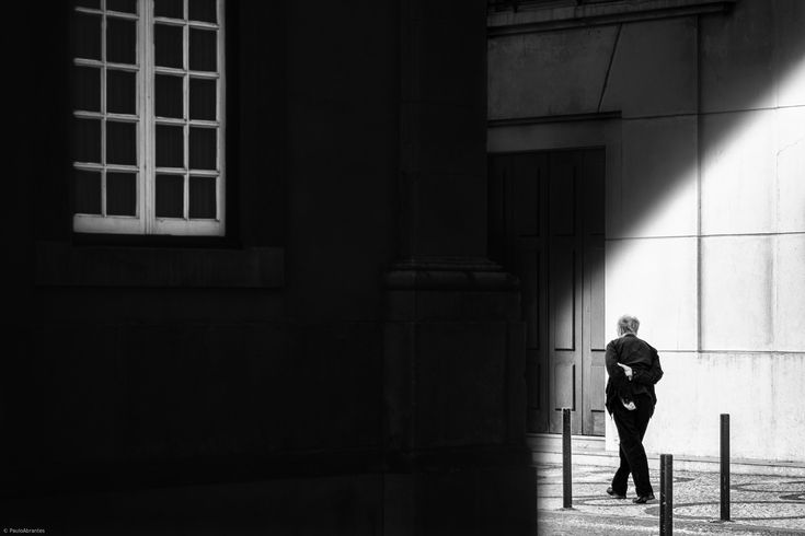 1X - Your Hologram by Paulo Abrantes