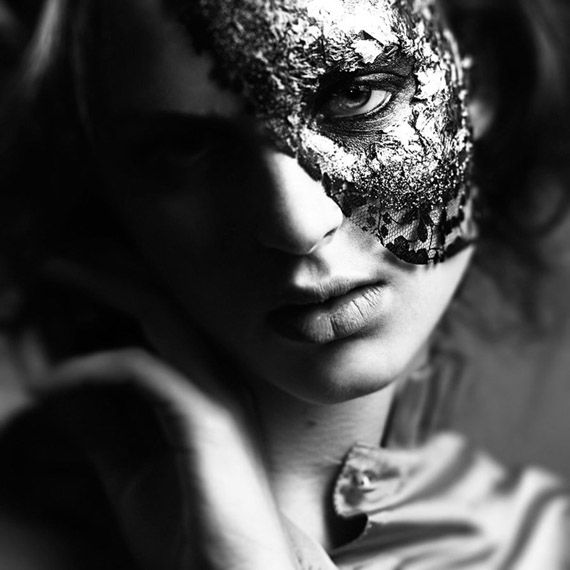 Black-and-White-Photography: Black Lace, Black N White, White Photography, Masks Photography, Black White, Masquerades Beautiful, Beautiful Lace, Black Masks, Lace Mask
