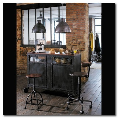 maisons du monde industrial range with mannequin couture maison du monde. Black Bedroom Furniture Sets. Home Design Ideas