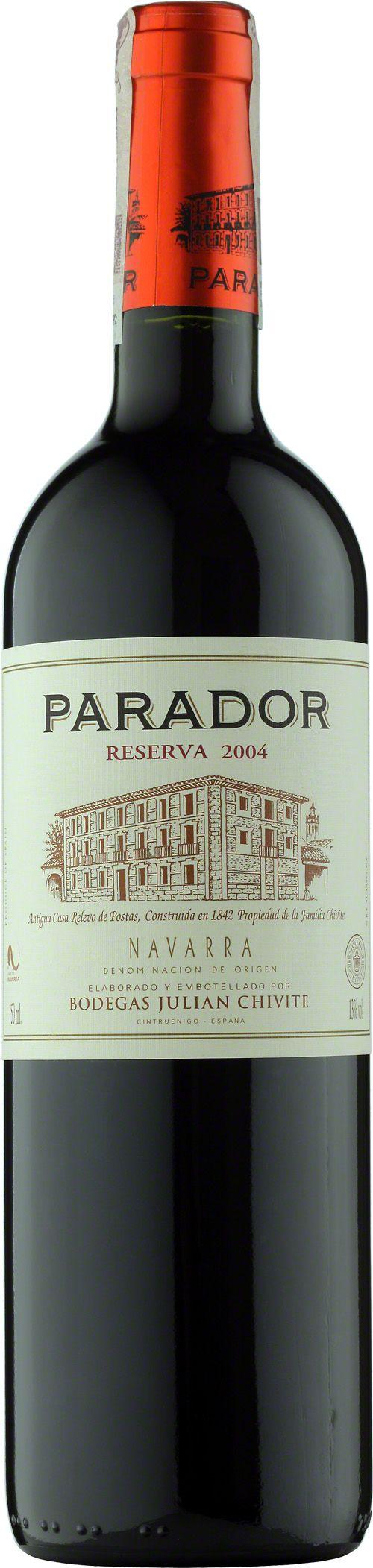 Chivite Parador Reserva Navarra D.O.  Wyprodukowane z odminay tempranillo uzupełnionej o cabernet. Dojrzewało w beczkach z francuskiego i amerykańskiego dębu. Wino o głębokiej czerwonej barwie, w nosie dominują owocowe aromaty dopełnione nutami korzeni i beczki. Okrągłe i doskonale zrównoważone taniny. Przyjemny finisz. #Chivite #Parador #Reserva #Navarra #Hiszpania #Wino #Winezja #Tempranillo