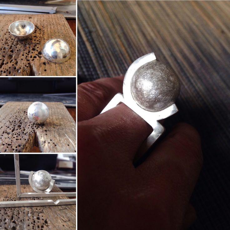 Resultado de un ejercicio para aprender a hacer un bola de plata... Un original anillo!