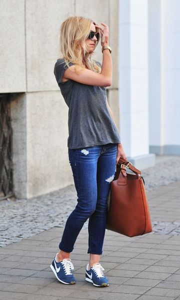 Look: Jeans & T-shirt + Tênis
