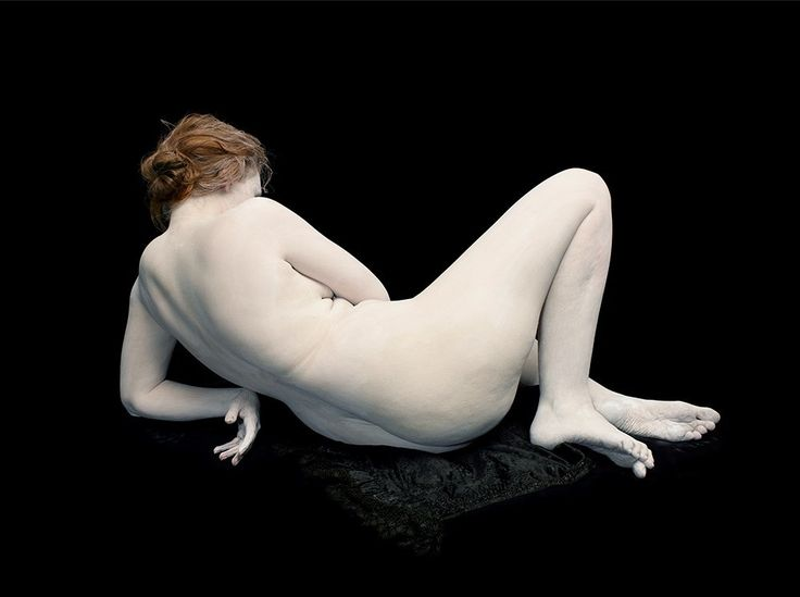 Nadav Kander, Audrey with toes and wrist bent, 2011