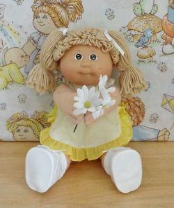 Vintage-Cabbage-Patch-Kid-1983-KT-Tan-Poodle-Green-Eyes
