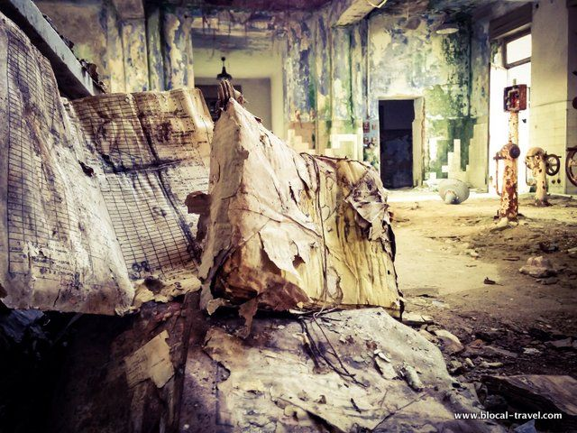 Abandoned places in Vercelli (Italy) - mental asylum #urbex || Read my blogpost here: http://www.blocal-travel.com/urbex/industrial-archaeology/abandoned-places-vercelli/