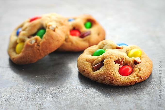Pretzel MandM Cookies Recipe | http://shewearsmanyhats.com/pretzel-mm-cookies-recipe/