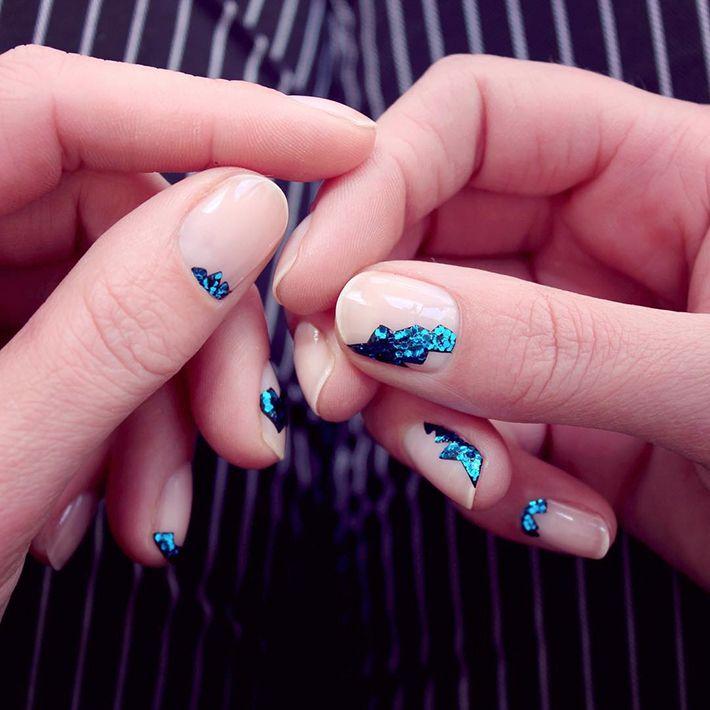 Флэш-тату на ногтях, геометрия, кляксы и не только.