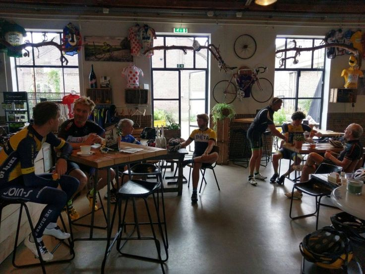 Velosoof fietscaf te Eindhoven  Industrial Barchair