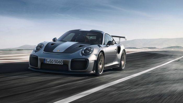 Publican fotos oficiales del Porsche 911 GT2 RS antes de su debut