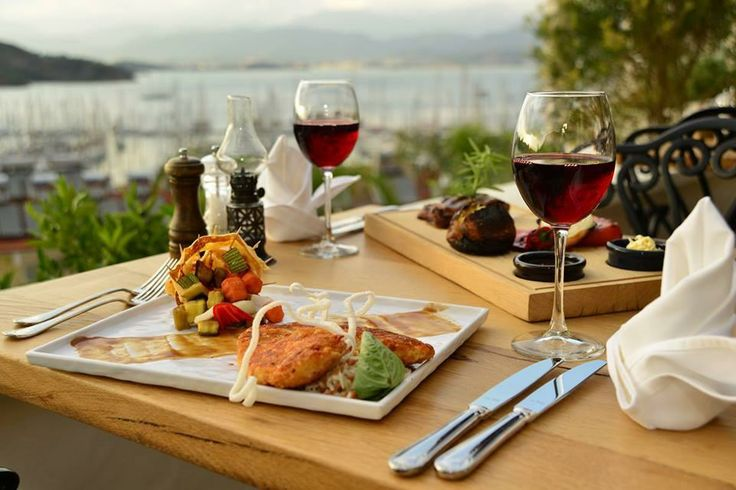 Hotel Unique Restaurant gives flavor to the elegance of your holiday with professional service and staff with the most beautiful selections of world cuisine. #hotelunique