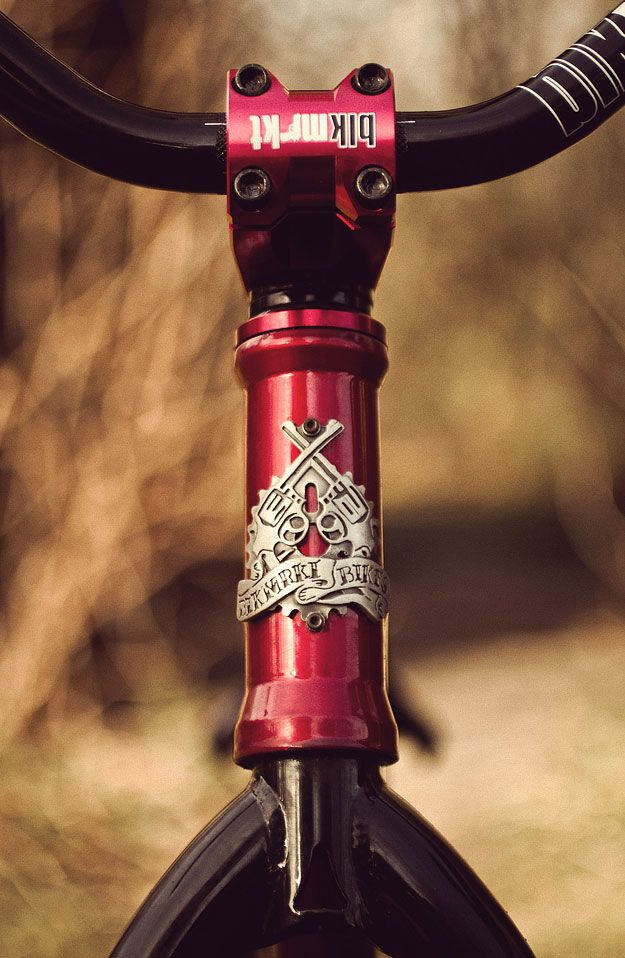 Road riding, or racing, is all very well. But for me, there's nothing more satisfying than watching a bicycle getting really worked; whether it's fixed freestyle, flatland BMX or 26″ street riders destroying the urban environment. When it comes to the latter, the Blackmarket Edit1 is the perfect weapon. This one is owned by a…