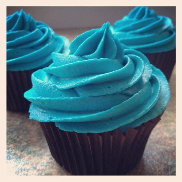 80 best Blue cupcakes images on Pinterest Blue cupcakes ...