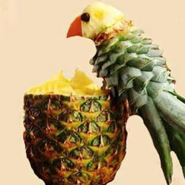 This amazing pineapple trick.. just makes me happy!                                                                                                                                                     Plus