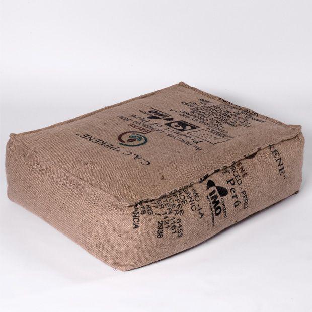 coussin de sol sac de caf recycl couture pinterest jute poufs and stenciling. Black Bedroom Furniture Sets. Home Design Ideas
