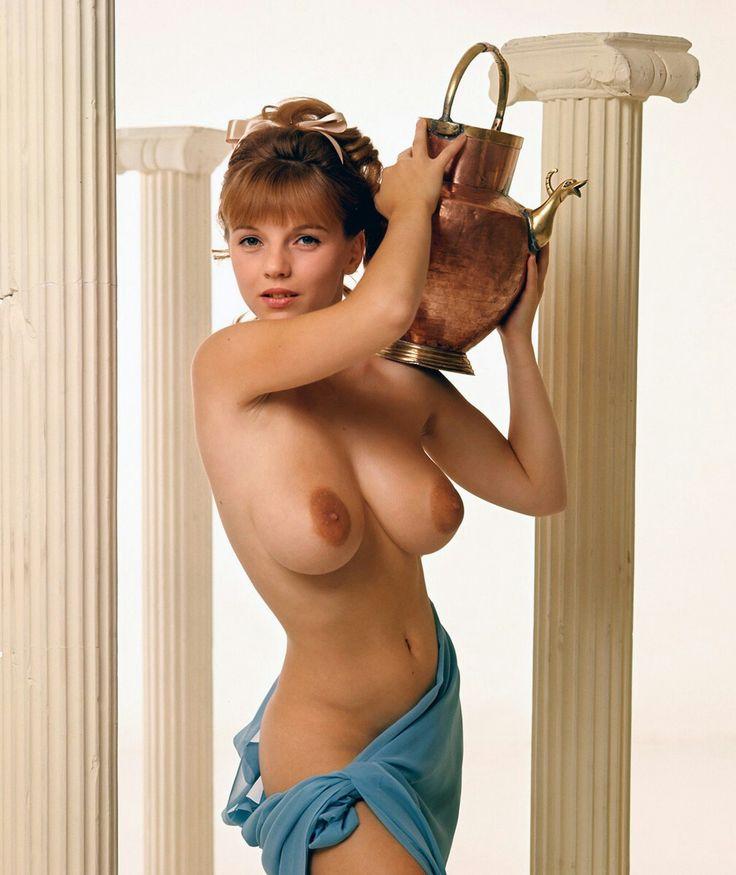Kerin chetry boob size