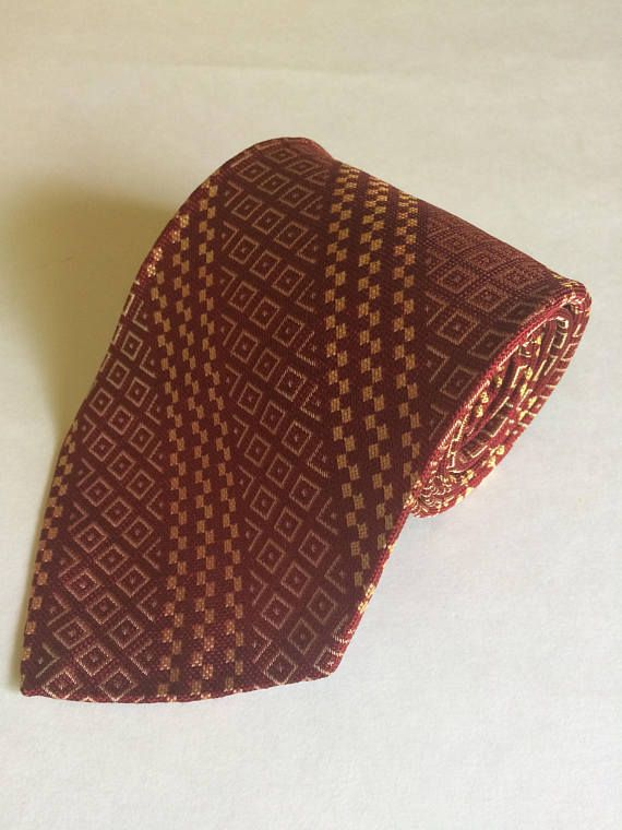 Vintage Geometric Pattern Wide Tie Red Textured All Silk