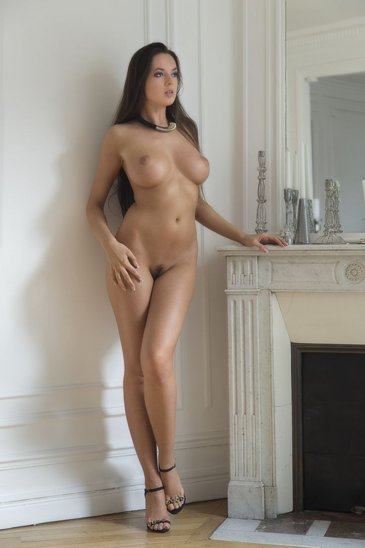 Girls naked nude women