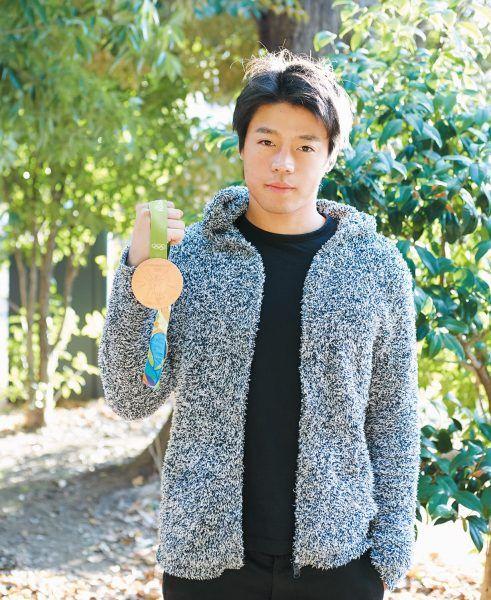 リオデジャネイロオリンピックで、日本人選手団の中でいち早くメダルを獲得して、一気にその名が知られるようになった羽根田卓也さん。競技は、激流の河川コースのゲートを通過しながらタイムを競うカヌー競技、スラローム・カナディアンシングルだ。