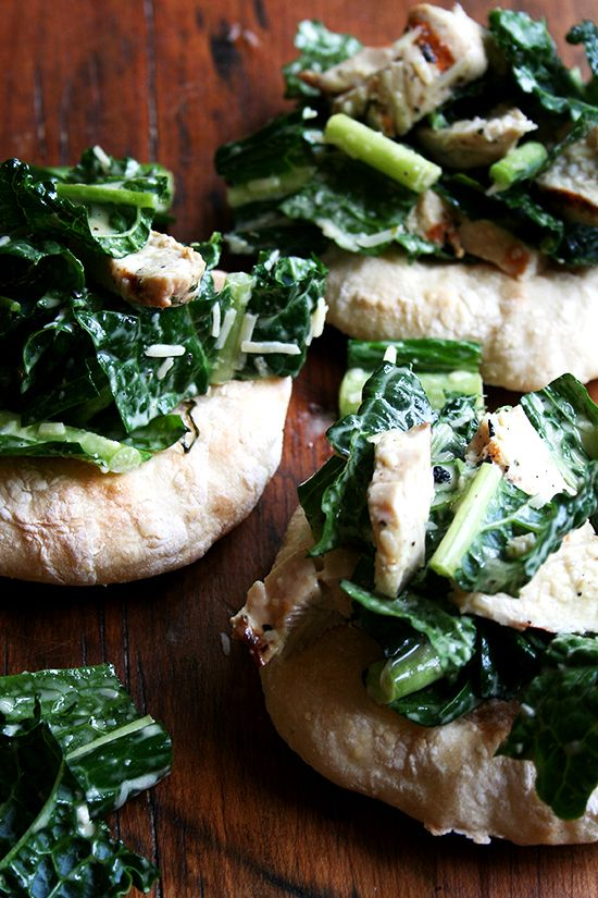 piadines topped with kale caesar and grilled chickenGood Food, Salad Piadine, Flats Breads, Kale Caesar Salad, Pesto Pasta, Chicken Caesar Salad, Marines Chicken, Grilled Chicken, Healthy Recipe