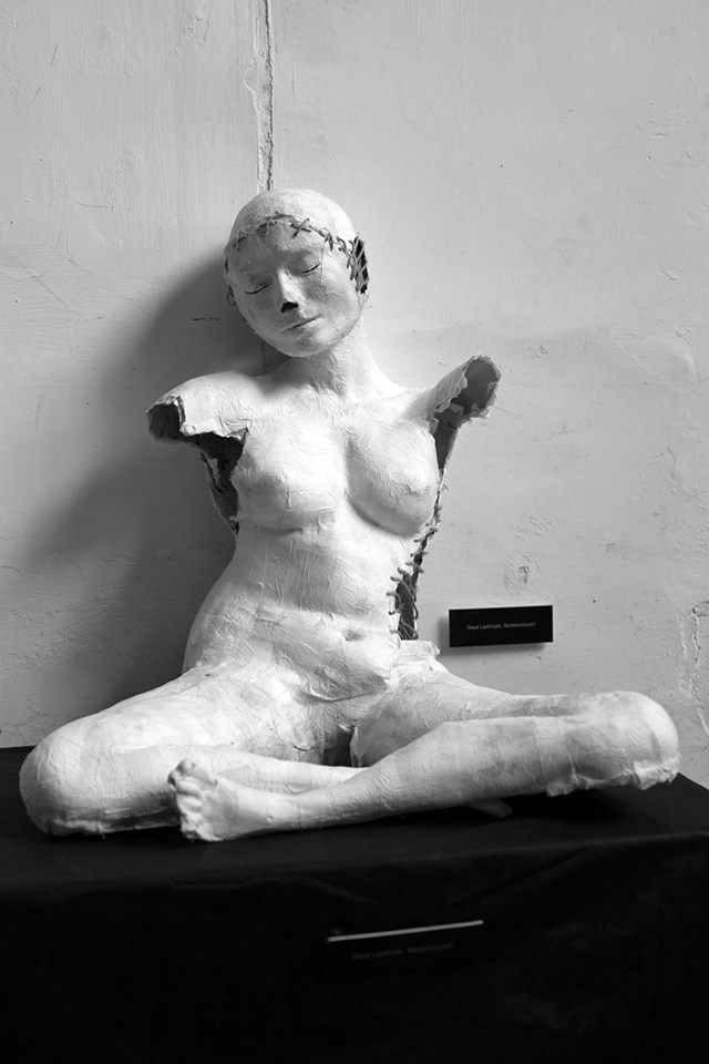 Gaya Lastovjak / Unfinished/ 2017. Paper mashe sculpture, original size, for art festival in Katowice (Poland).