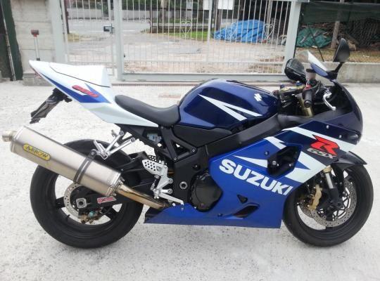 Suzuki GSX-R 600 K5 (K4) 2004-2005 Moto Suzuki GSX-R 600 K5 (K4) 2004-2005 vendo usato a Gavirate € 3.000 http://www.insella.it/annuncio/suzuki-gsx-r-600-k5-k4-2004-2005-118143