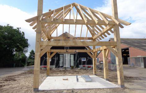 Eiken constructie nog zonder dakbedekking