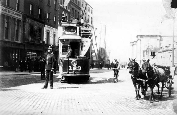 Tram no. 169 at the corner of Grafton Street and Nassau Street, Dublin (Ireland, about 1913).