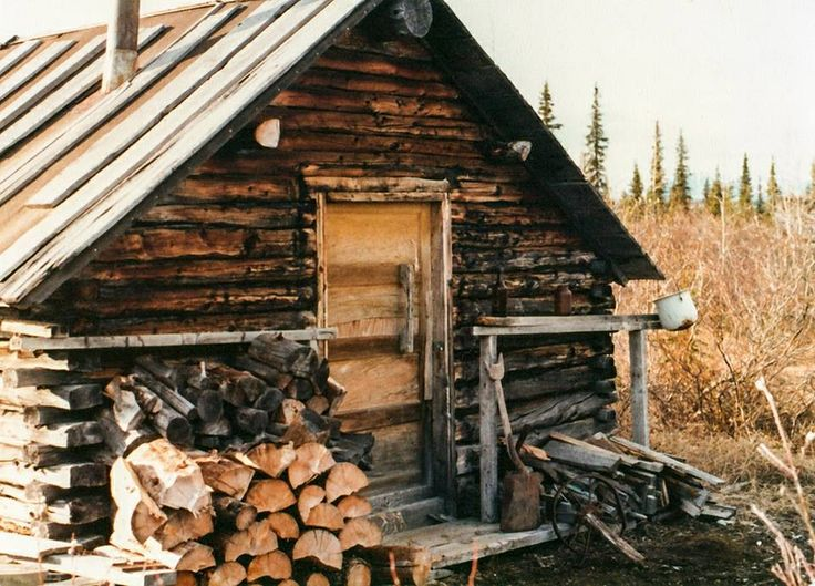 Old trappers cabin in Alaska