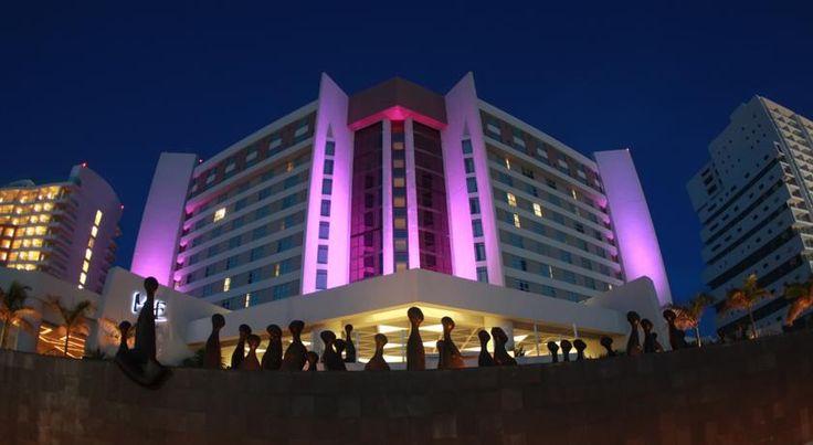 hotel 5 estrellas ME Cancun todo incluido
