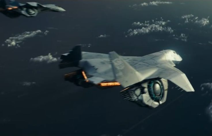 Above and at top - the advanced aerospace fighters in Independence Day: Resurgence. 20th Century Fox images