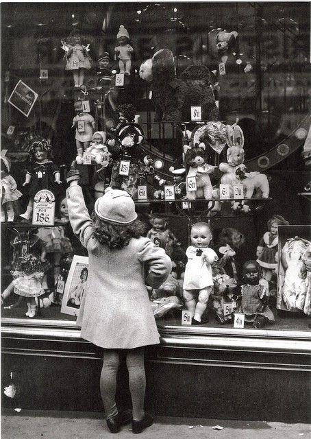 vintage doll shop                                                                                                                                                                                 Mais