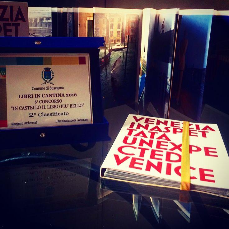 """Il leporello """"Venezia Inaspettata"""" di Cesare Gerolimetto si è classificato come secondo libro più bello a Libri in cantina 2016, Mostra nazionale della piccola e media editoria"""