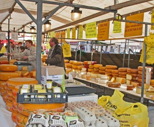 Pronk Juweel BV. Op za en woe op de markt in Hilversum met de lekkerste kaas