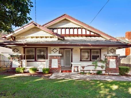 10 Hannaslea St, Box Hill Price $1.055 million