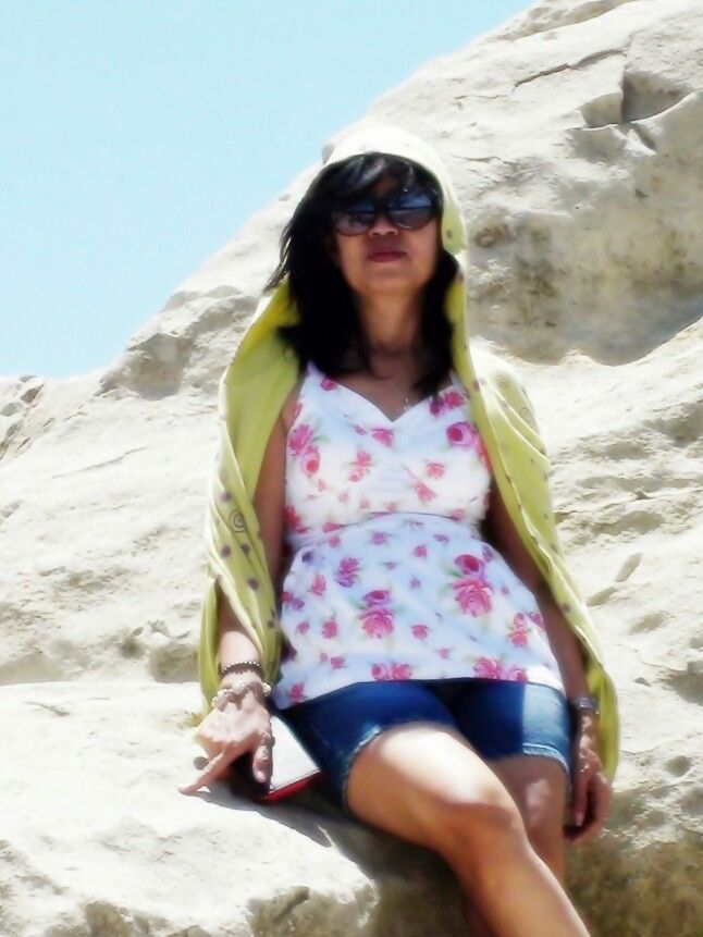 A beautiful quen waiting you on the Klayar beach ..... ♥