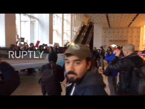 INC News Commentary: USA: Hundreds occupy Central Station, Bank of Amer...
