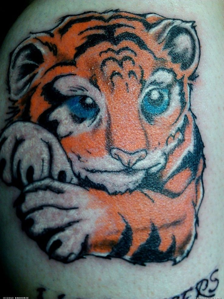 17 best ideas about tiger tattoo small on pinterest for Small tiger tattoos