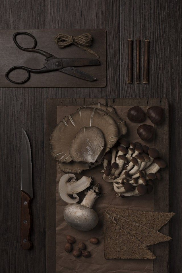 Italian photographer Isabella Vacchi managed with great skill to compose monochrome set design food and kitchen accessories.
