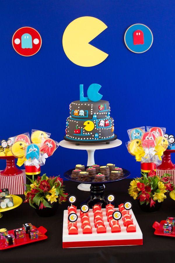 Detalhes da mesa de doces com tema Pac Man. Foto: Luciana Cardoso Fotografia