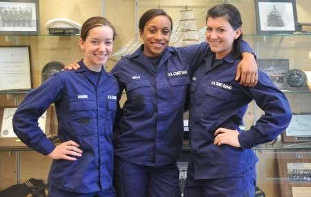 Women In The Coast Guard U S Coast Guard Pinterest