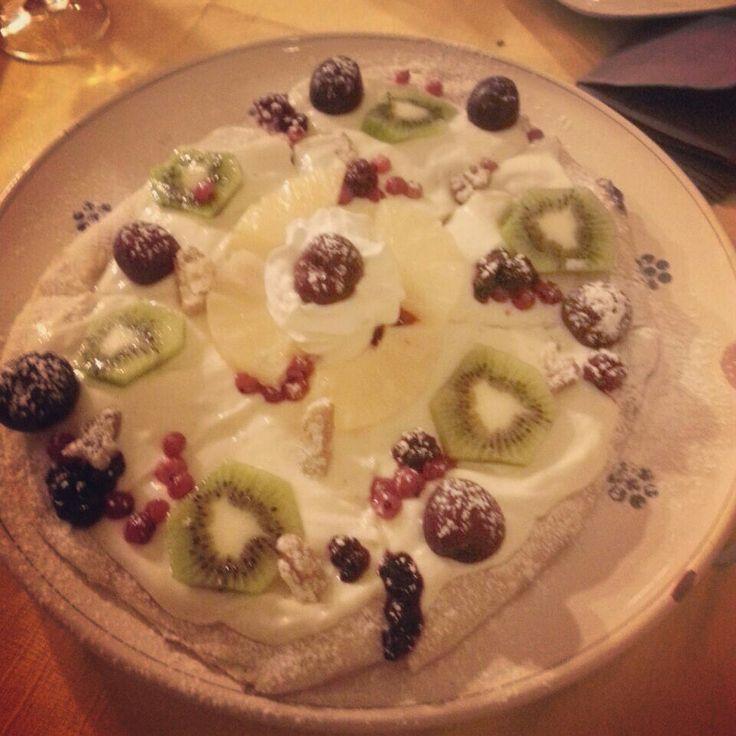 Pizza dessert!