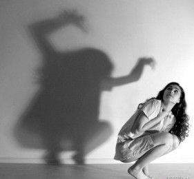 Ansia, sintomi fisici e cause psicologiche